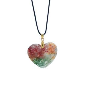 Μακρύ χειροποίητο κολιέ με μαύρο κορδόνι και πολύχρωμη ημιπολύτιμη πέτρα σε σχήμα καρδιάς. Ιδιαίτερο κόσμημα που δεν πρέπει να λείπει από την συλλογή σας.